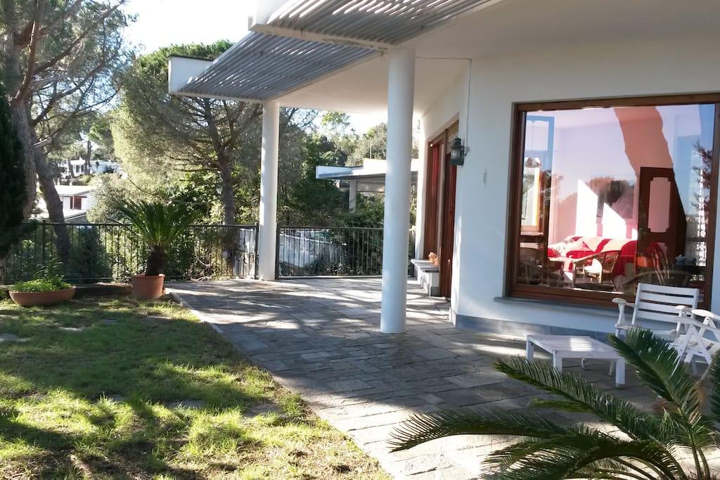 Villa varazze piani d 39 invrea 6 1 posti letto cottage in for Piani architettonici di cottage