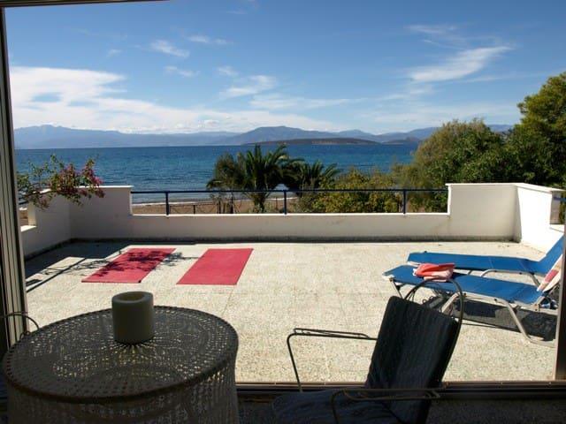 Haus direkt am Meer mit Tennisplatz - Paralia Irion - 獨棟