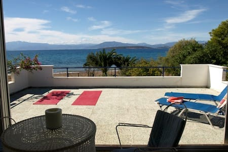 Haus direkt am Meer mit Tennisplatz - Paralia Irion