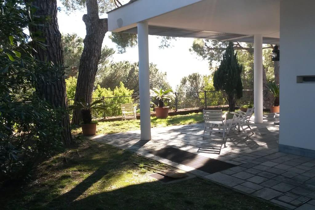 Villa varazze piani d 39 invrea 6 1 posti letto cottage in for Piani di garage di cottage