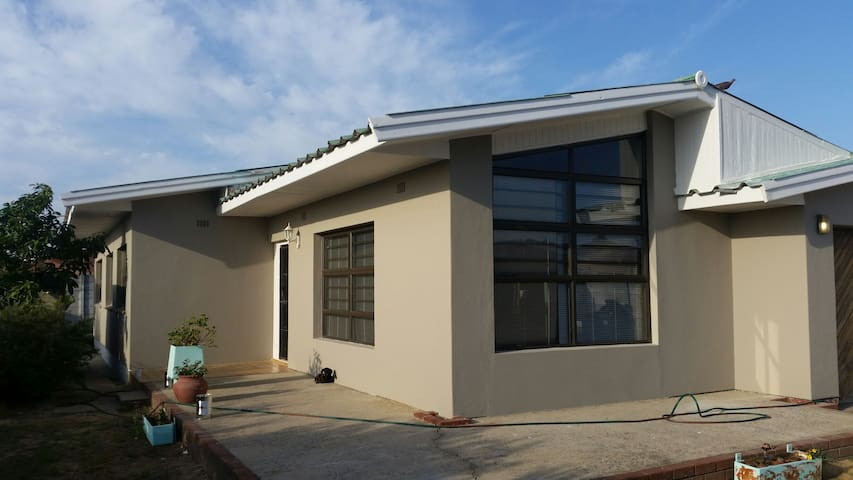 Spacious 3 bd @ cpt and winelands - Kapstadt