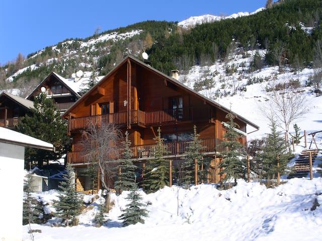 APPARTEMENT EN REZ DE JARDIN - La Salle-les-Alpes