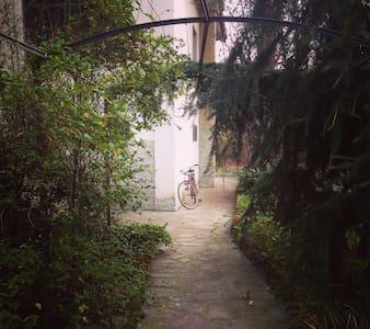 Mansarda con bagno privato in villa - Bosco Marengo