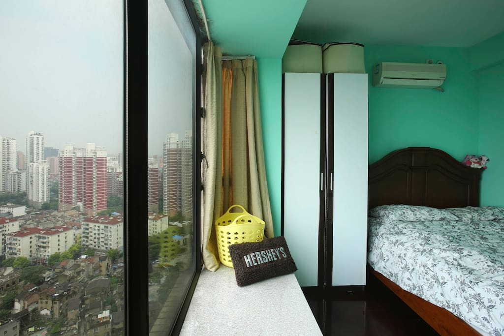 Room #2 with nice view at high floor