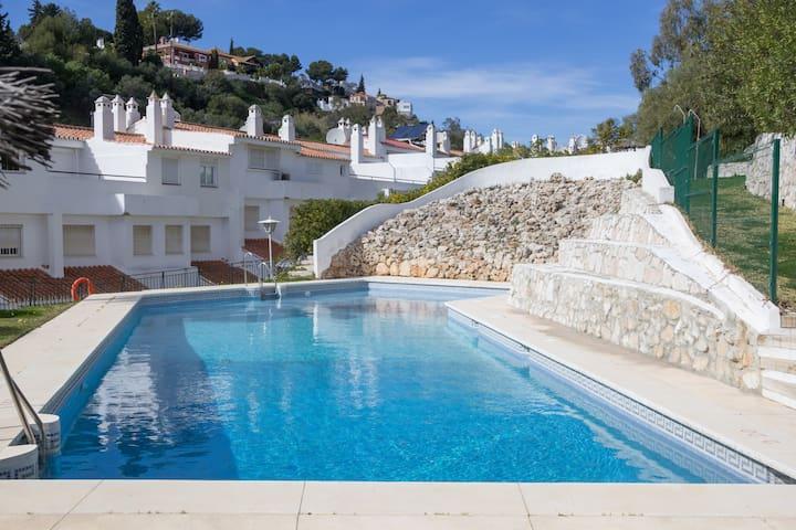 IDEAL HOUSE FOR BIG FAMILIES - Mijas - Dom