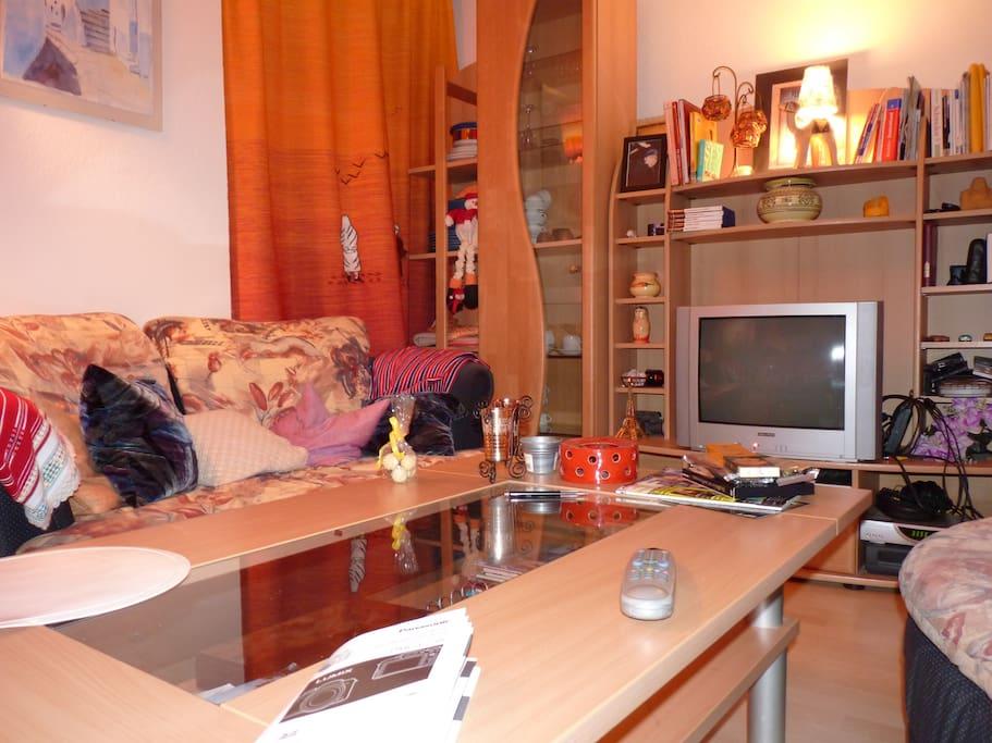 Room 2 ( living Room)