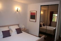 Air-conditioned Double Bedroom 3 with Kingsize bed