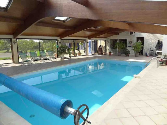 Beautiful Spacious Gite with indoor pool