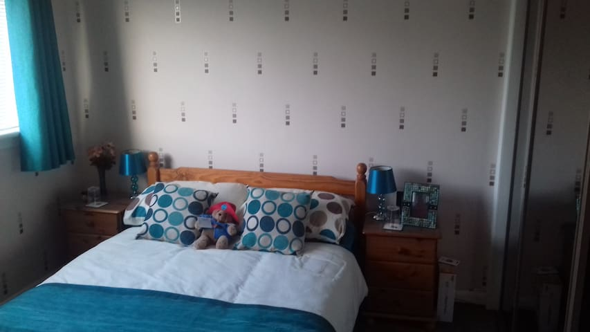 Lovely modern & homely double room