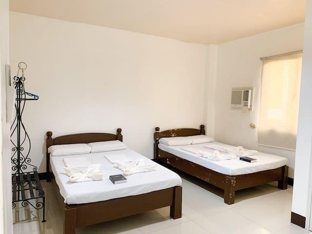 Bayawan Pension House (Family Suite)