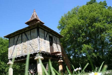 Le pigeonnier, un gite insolite - Belmont-Sainte-Foi