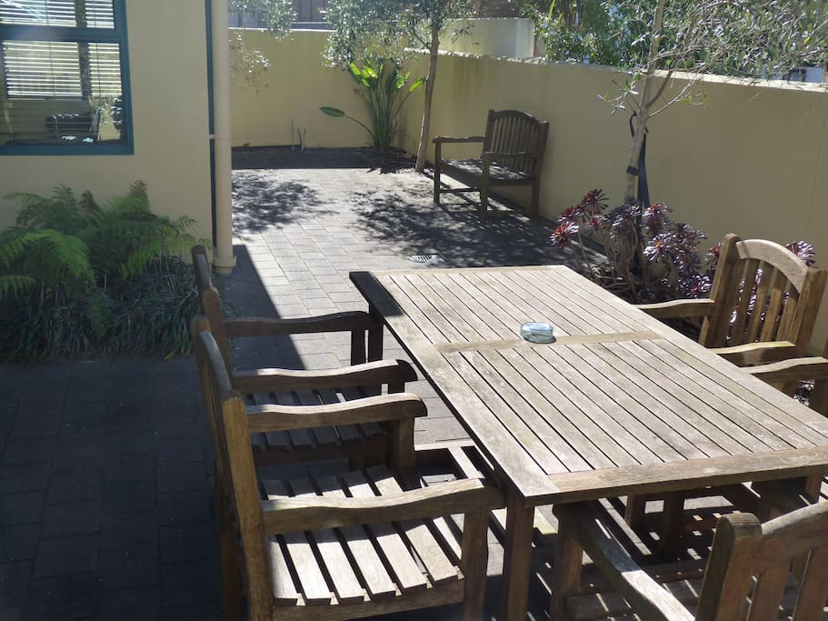 73 sq metre courtyard, exceptional outdoor living