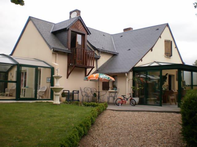 MAISON BORDURE RUISSEAU PISCINE 6 P - Nogent-sur-Loir
