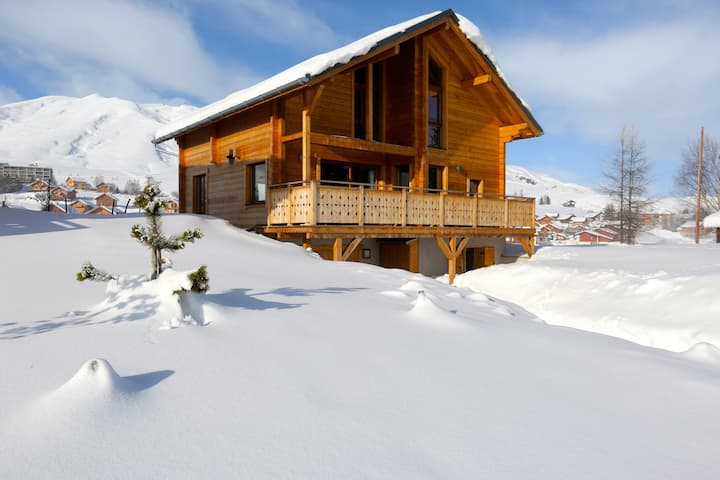 Grand chalet Design by an architect