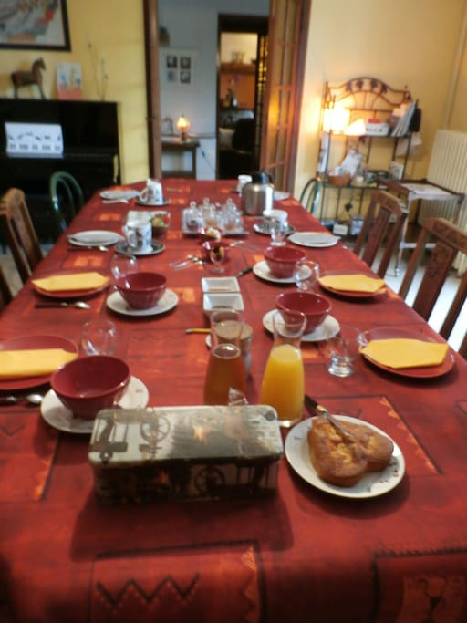 La maison du chat troubadour bed breakfasts zur miete in saint loup de varennes bourgogne - La maison du chat ...
