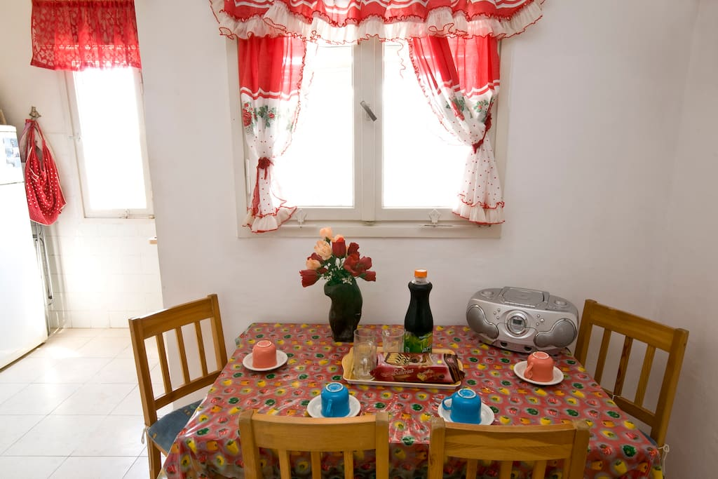 eating room- close to the kitchen . can put a eating tabe for six- seven people