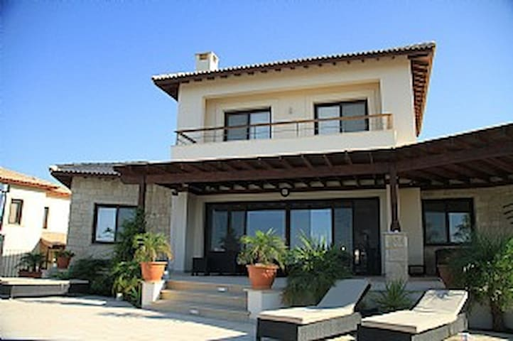 4b Aphrodite Seaview Golf Villa - pool & sauna - Kouklia - House