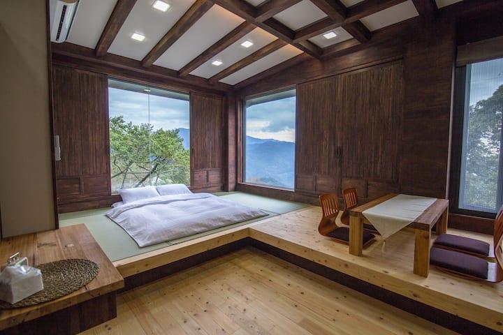 《京岄山居》山嵐景觀雙人房