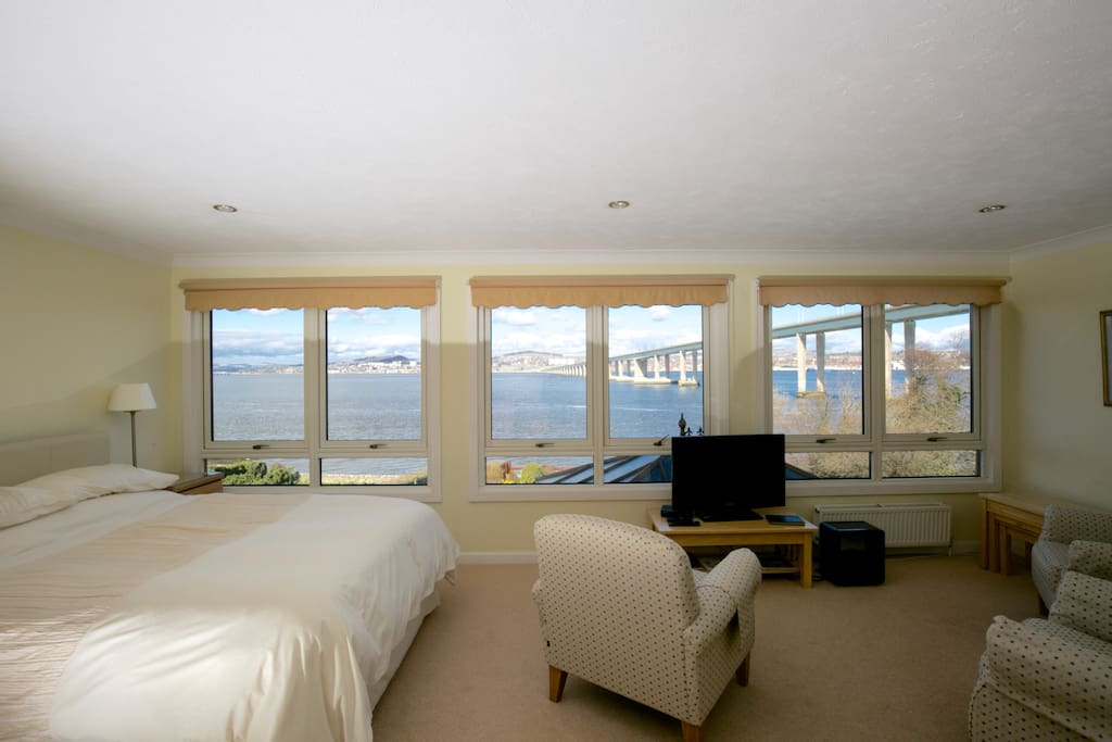 Plenty of space and panoramic views!