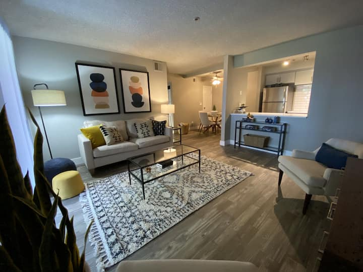 Everything you need   1BR in Tempe