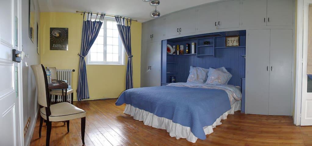 Le Mascaret Chambre Mer et Soleil - Deauville - Bed & Breakfast