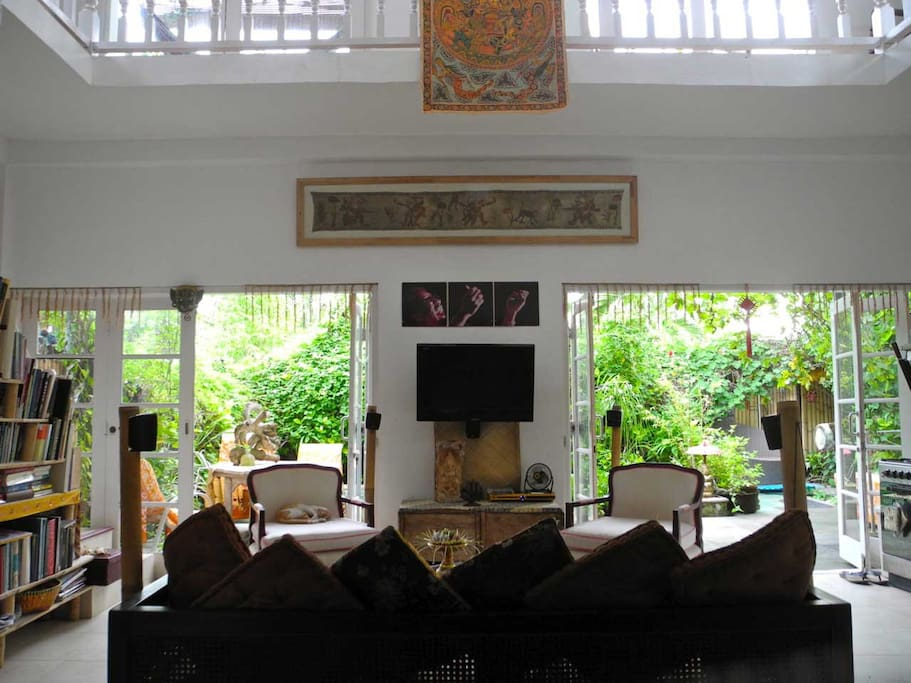 Now made cooler with a 6seater huge carved wooden Balinese day-bed... New pic coming soon...