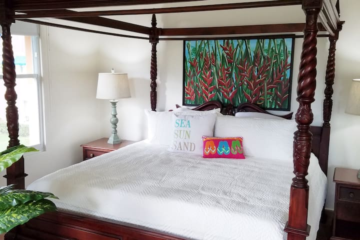King Bed. The best night sleep you will ever have!