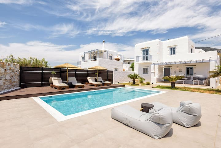 R 1008 Villa Delphine II  Drios ( 3 Bedrooms) with BBQ area,Private pool etc.