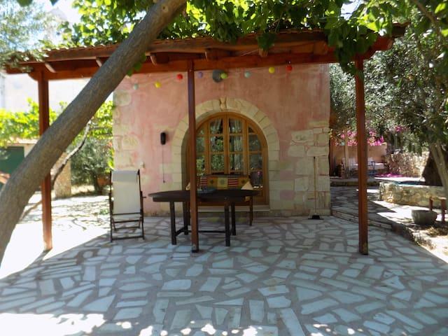 Plakoura traditional stone house, Plaka Chania