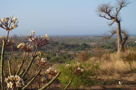 Maison solaire en brousse avec vue  - Popenguine Ndayane