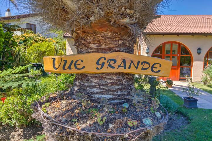 Vue Grande - Penthouse/Honeymoon suite