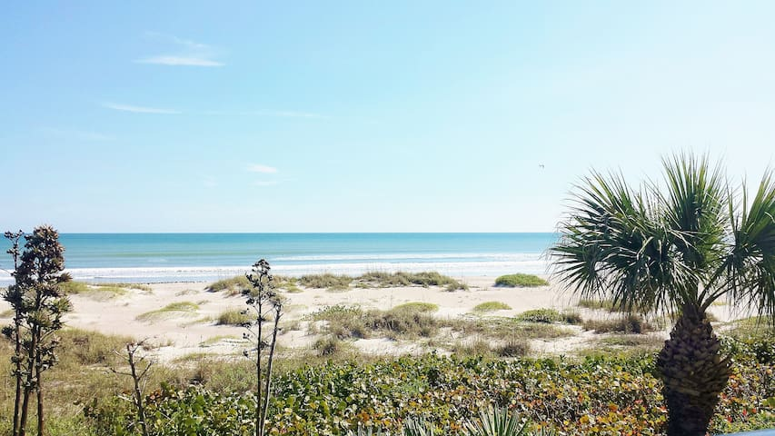 Beachfront Apartment - Cocoa Beach