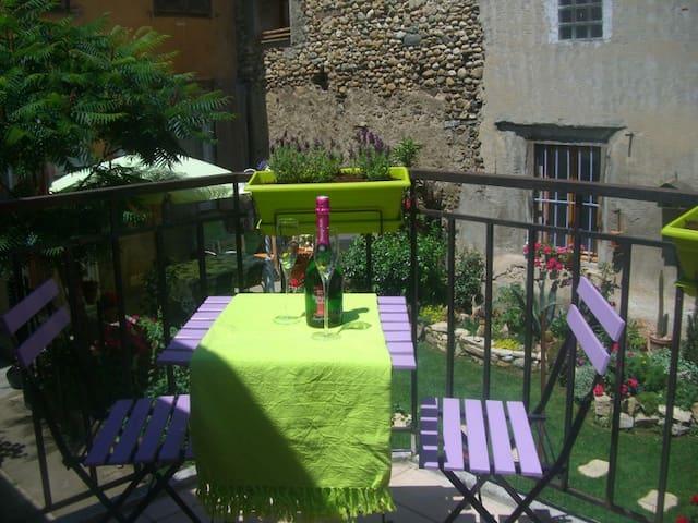 Le Petit Jardin, Lavender Apartment - Limoux - Lägenhet