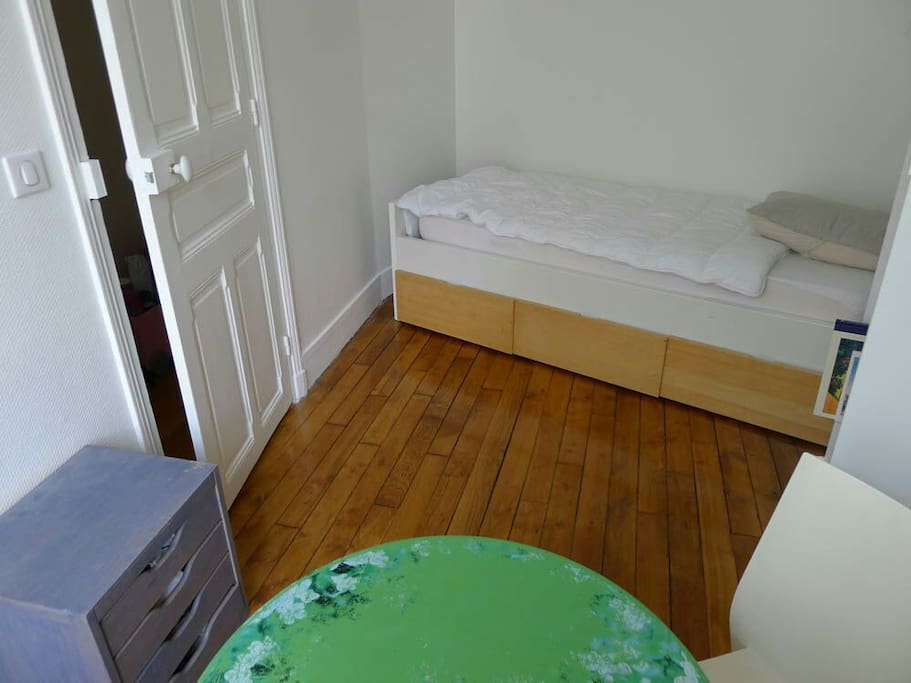Un vrai lit simple