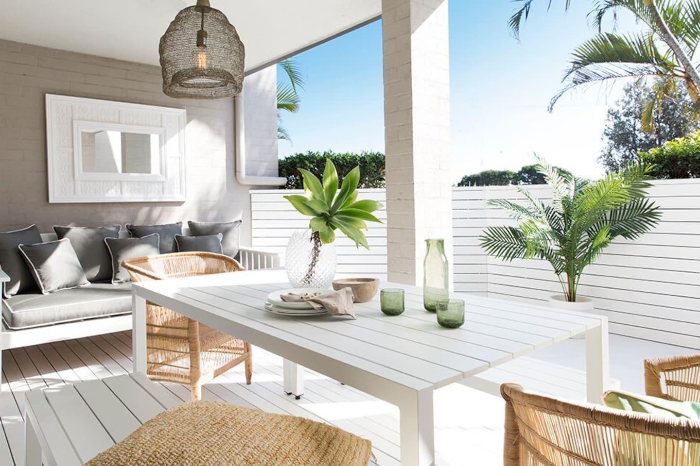Belongil Salt Alfresco Dinning Decked Terrace