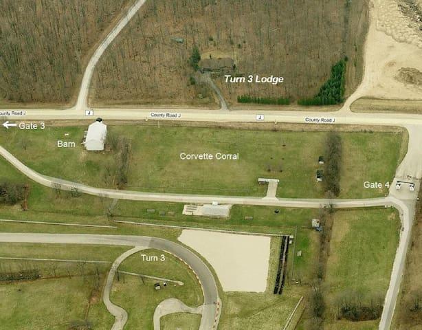 Road America Track View Rental - TheTurn 3 Lodge