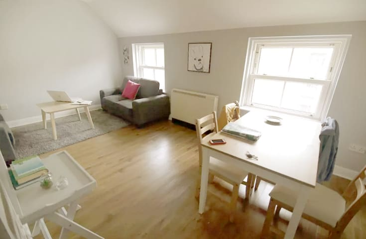Central & Cozy 2 Bed Pad At The Spire - Sleeps 6 - Dublin - Flat