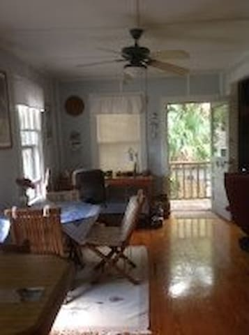 "Charming ""Treehouse"" apartment - Saint Augustine - Byt"