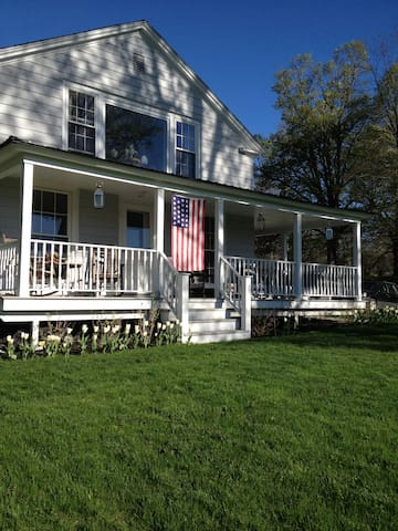 Knockout 3BD Berkshires Home - Williamstown - Hus