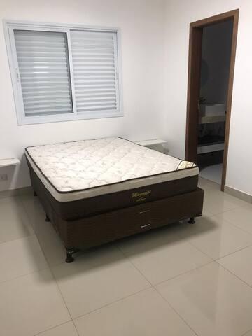 quarto três com suite