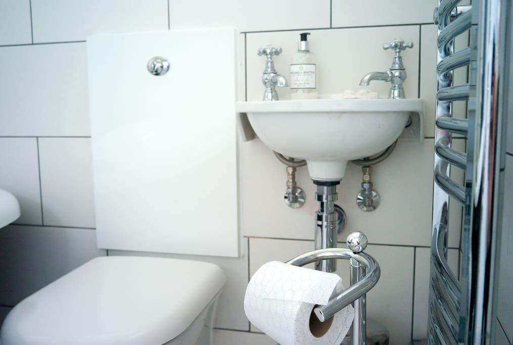S-King Rm Own Bath Near Big Ben!!