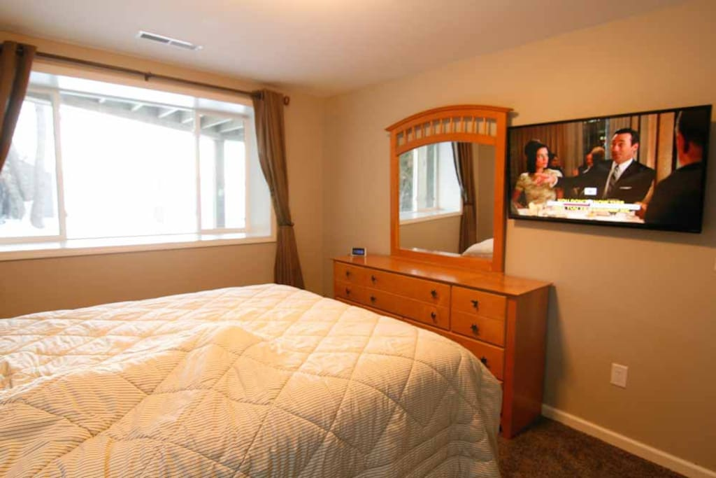 Queen bed in BR #3 with lake views