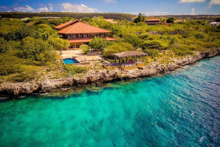 Villa with swimming pool and great sea view, near the centre of Kralendijk, on Bonaire