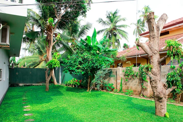 Free Spirit Villa - Marawila - House