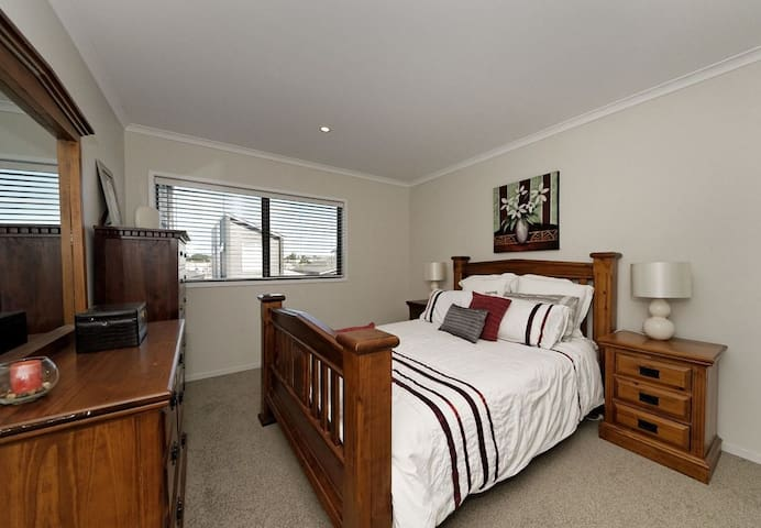 Cosy place, ideal for your short stay - Bedroom1