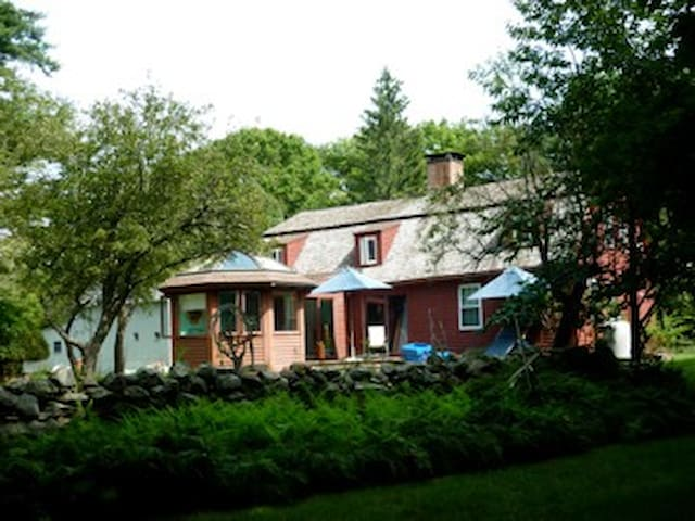 1750s House for long term rental - Ledyard - Casa