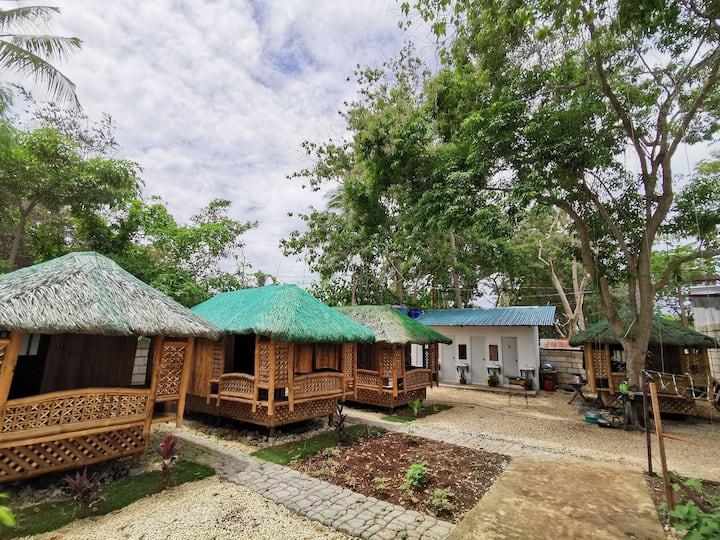 Relaxing Garden Hut