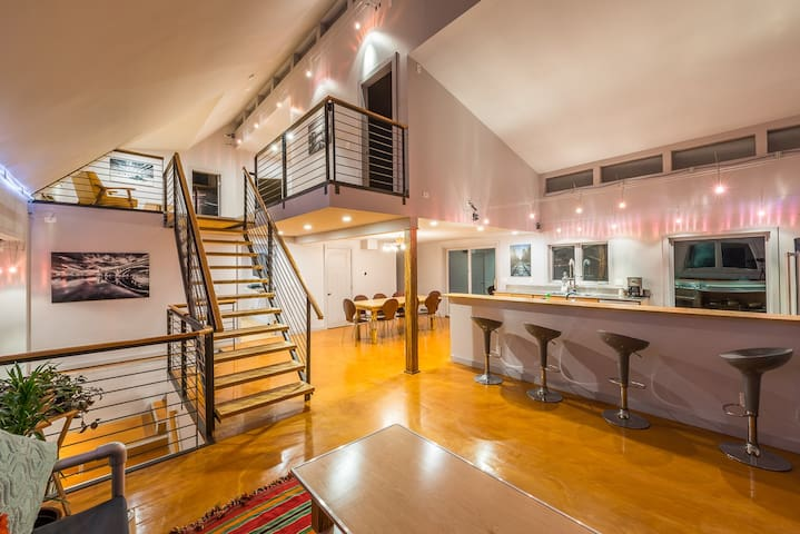 Contemporary, Stylish 5 BD Awaits U - Rye - Ev