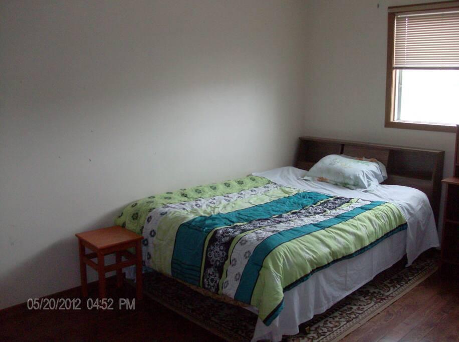 standard room tidy convenien peace h user zur miete in calgary alberta kanada. Black Bedroom Furniture Sets. Home Design Ideas