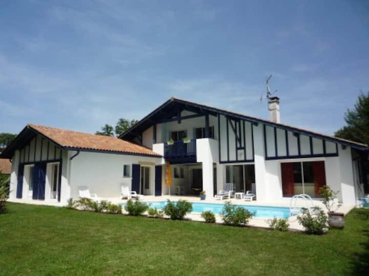 Villa 3 chambres avec piscine sur Golf